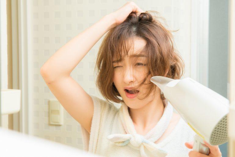 寝癖対策はこれで完璧!すぐできる直し方から予防法まで徹底解説
