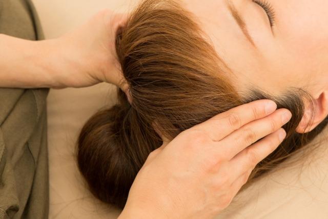【かゆみ・抜け毛・臭い】頭皮の3大悩みに効く、自宅で出来る効果的な頭皮ケアとは!?