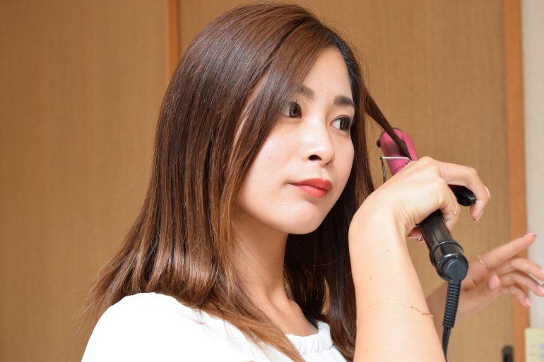 【男女別アレンジ方法11選】前髪なぜうねる?うねりの原因&対策徹底解決